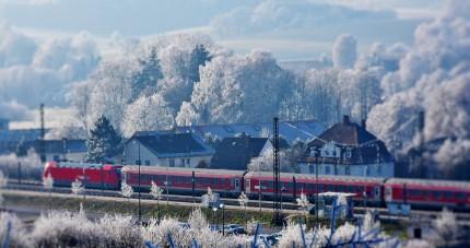 train-2947086_1280